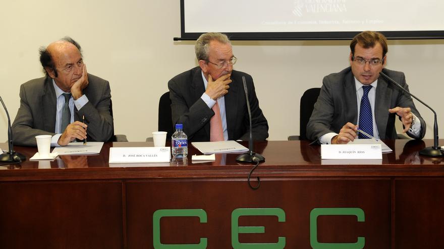 Rafael Montero, el primero por la izquierda, junto al expresidente de la CEC, José Roca