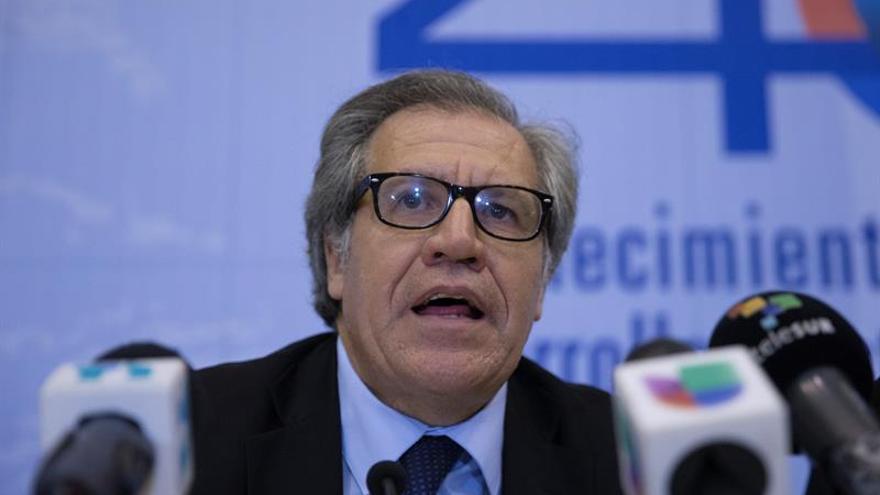 Almagro dice que la mediación debe convencer a Maduro de respetar la Constitución