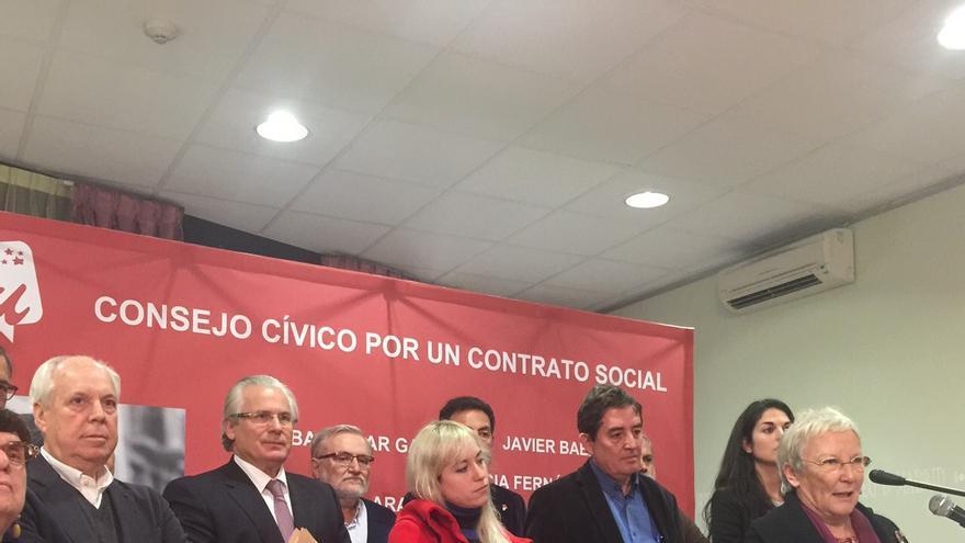 La periodista Teresa Aranguren, en el acto de presentación del Contrato Cívico de Luis García Montero. / Foto cedida por IUCM