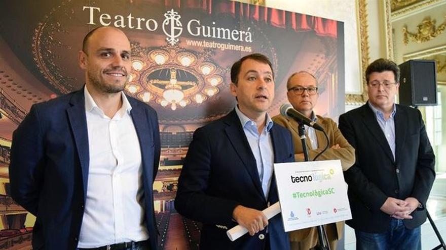 El concejal Alfonso Cabello (izquierda), junto al alcalde Bermúdez, en una presentación
