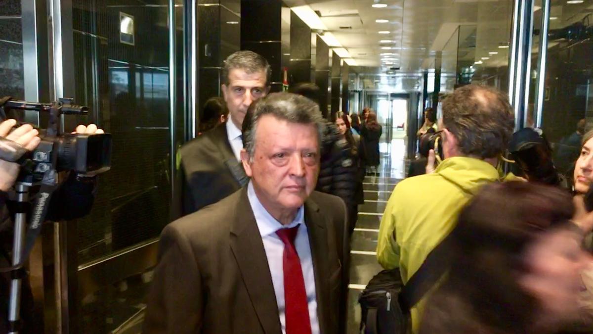 Emilio Titos, con su abogado Gonzalo Susaeta