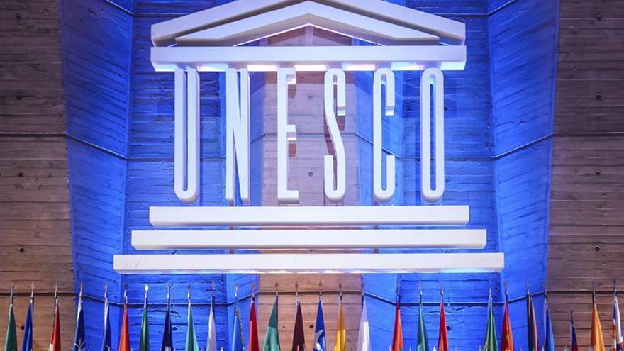 """Francia lamenta la retirada de EEUU de la Unesco en un momento """"primordial"""""""