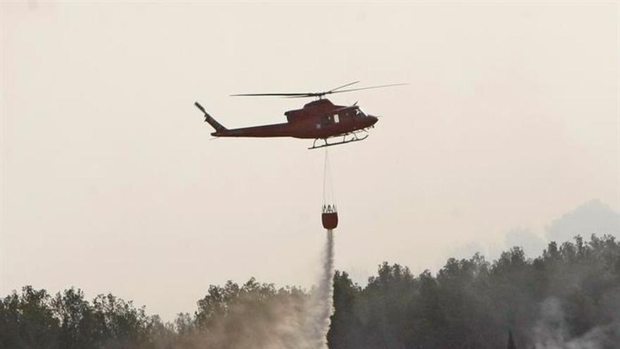 Veinte medios aéreos en el incendio de Xàbia, que ya ha quemado 319 hectáreas
