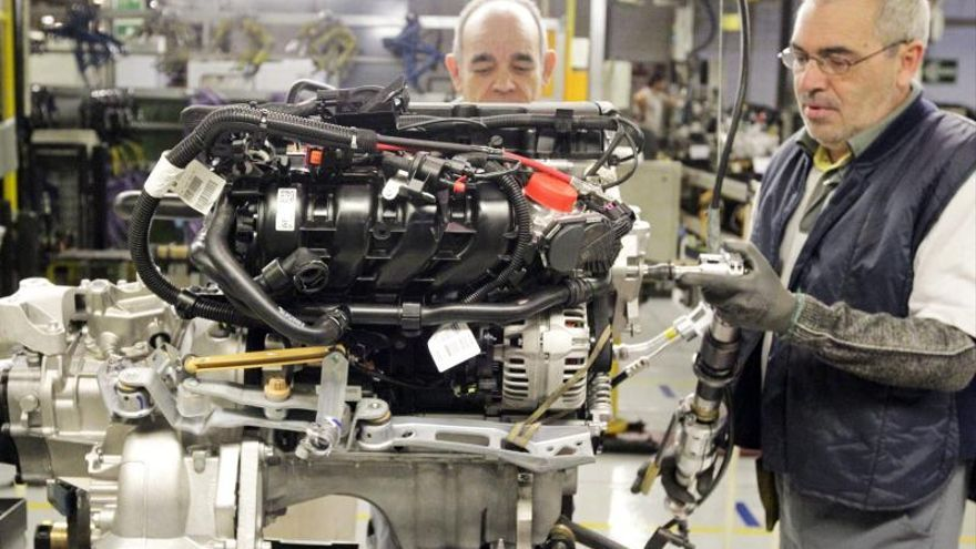 El PIB cayó el 1,2 % en 2013, aunque avanzó el 0,3 % en el cuarto trimestre