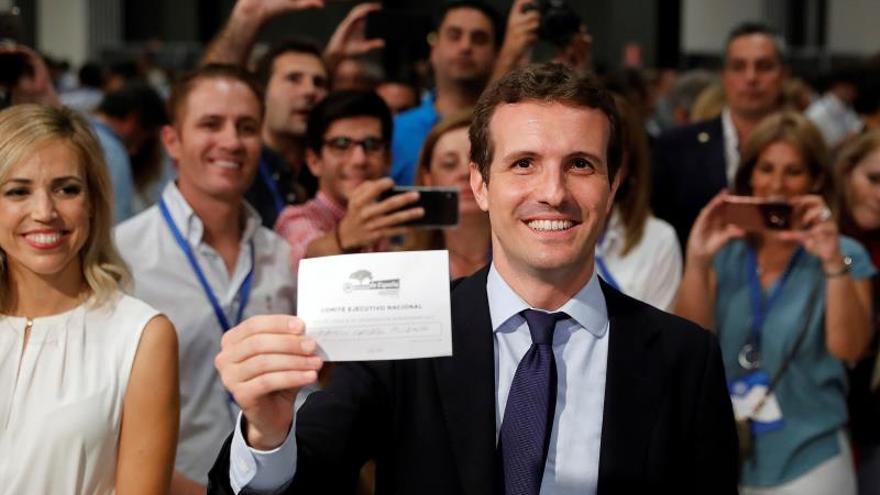Casado se reivindica como adalid de la integración del PP y la unidad de España