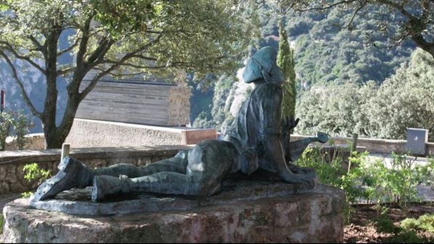 Mausoleo en Montserrat dedicado al Tercio de Requetés en el que están enterrados 319 soldados