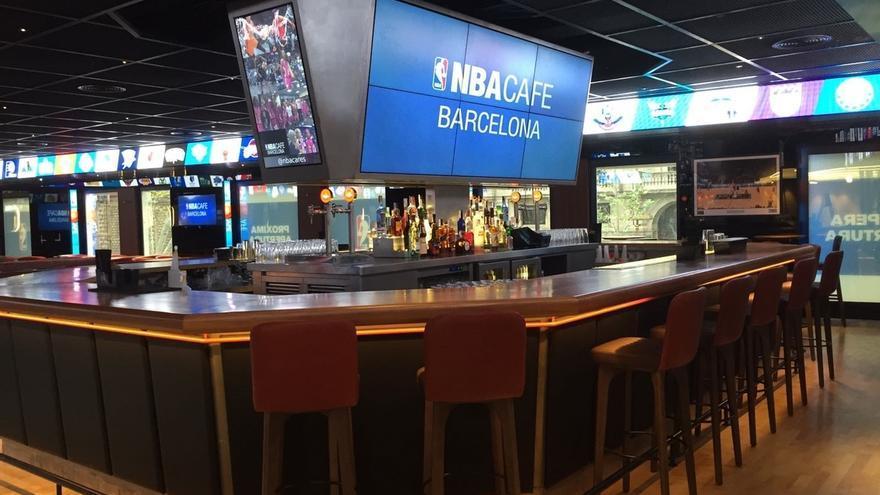 La NBA desembarca en Barcelona con su primer NBA Café de Europa y estudia nuevas localizaciones