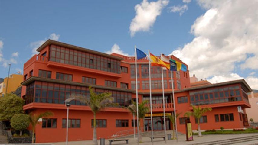 Ayuntamiento  de Breña Baja y Asociación El Telar organizan la 'III Miniferia de Artesanía'