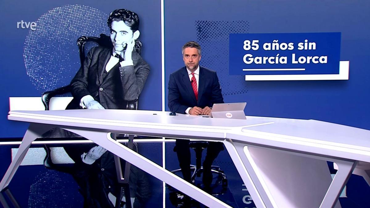 Carlos Franganillo introduciendo el homenaje a Lorca