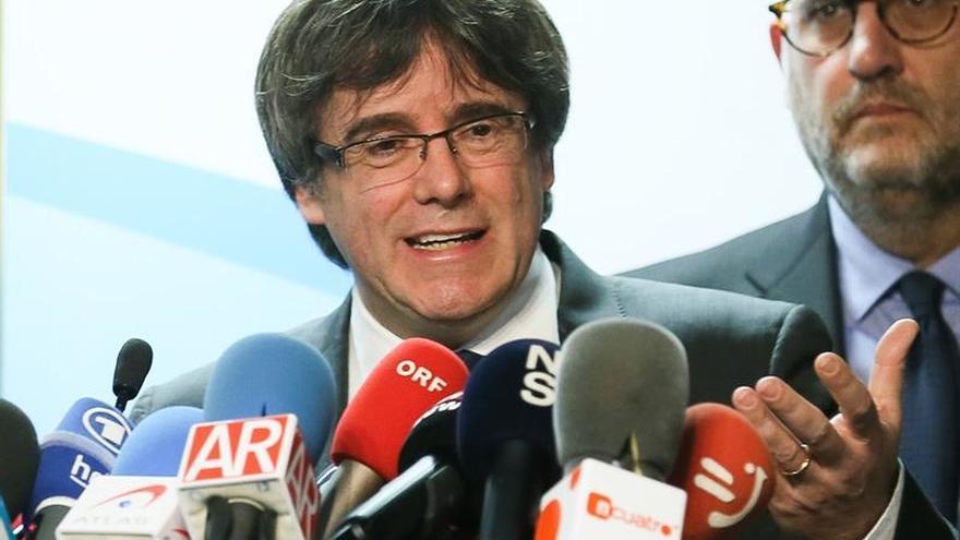 La asociación de juristas avisa que la ley no permite una investidura telemática