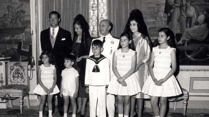 Franco con su familia