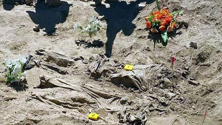 Hallan una fosa con decenas de cadáveres de mujeres yazidíes en Sinyar