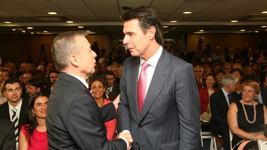 Paulino Rivero y José Manuel Soria en la toma de posesión de Clavijo (ALEJANDRO RAMOS)