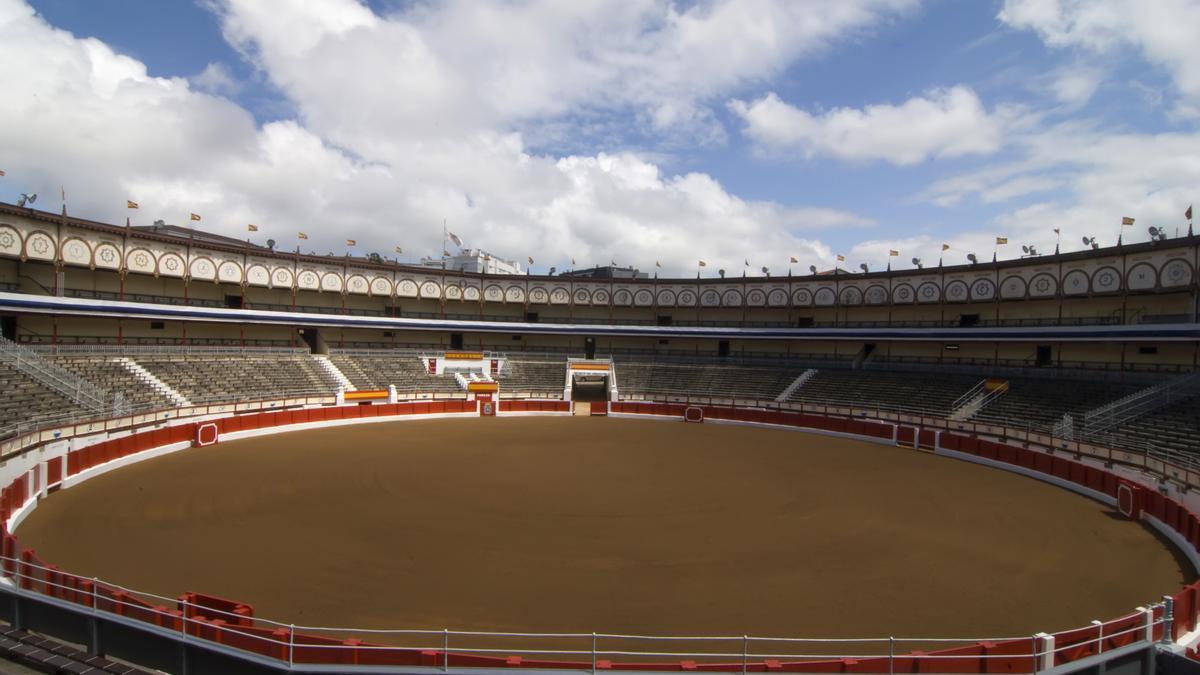 Vista general de la Plaza de Toros de Santander.