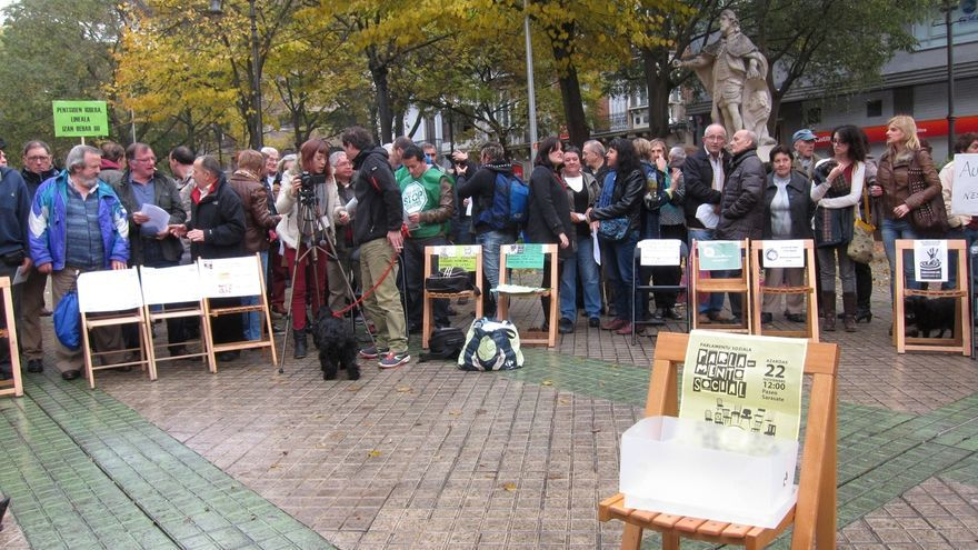 """Una treintena de colectivos crean de forma simbólica un Parlamento Social por la """"participación"""" y contra la """"exclusión"""""""