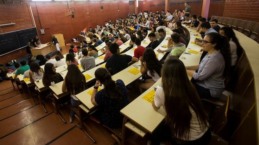 """La Universidad española puede sufrir una """"década perdida"""" por la crisis"""
