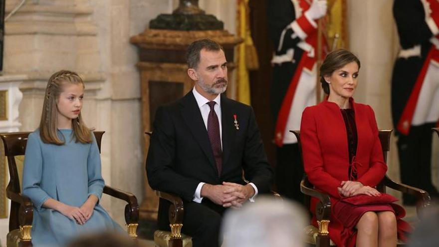 Felipe VI anima a la Princesa a guiarse permanentemente por la Constitución