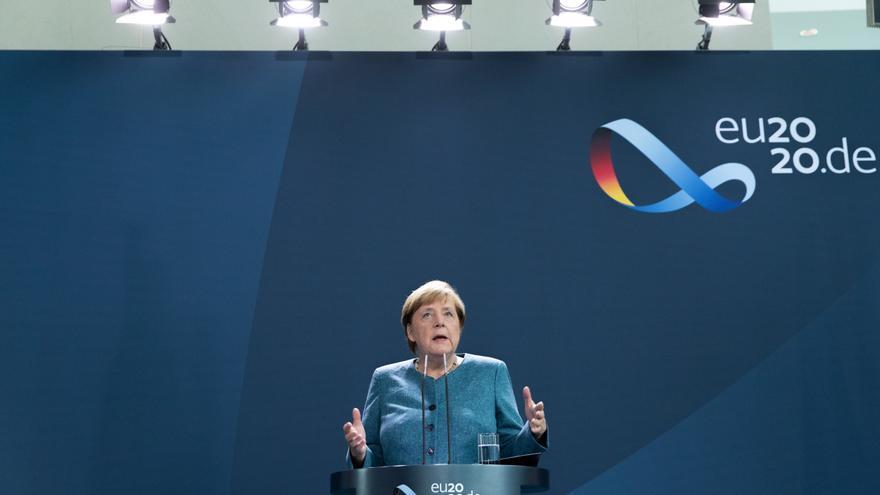 """Merkel anuncia una """"respuesta común adecuada"""" por el envenenamiento de Navalni"""