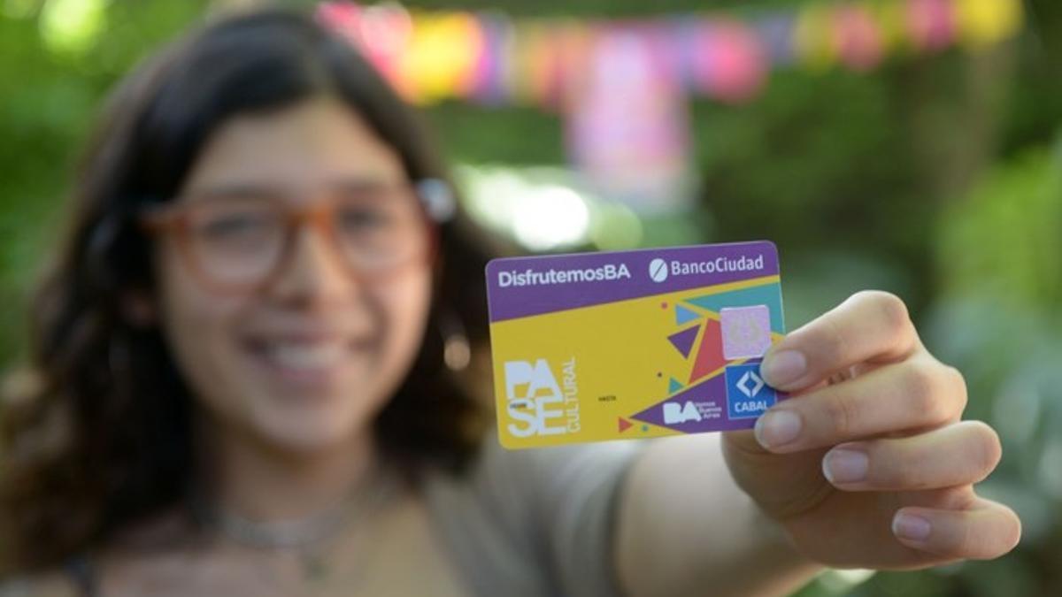 Pase Cultural: una tarjeta con crédito de $2000 para gastar en cultura