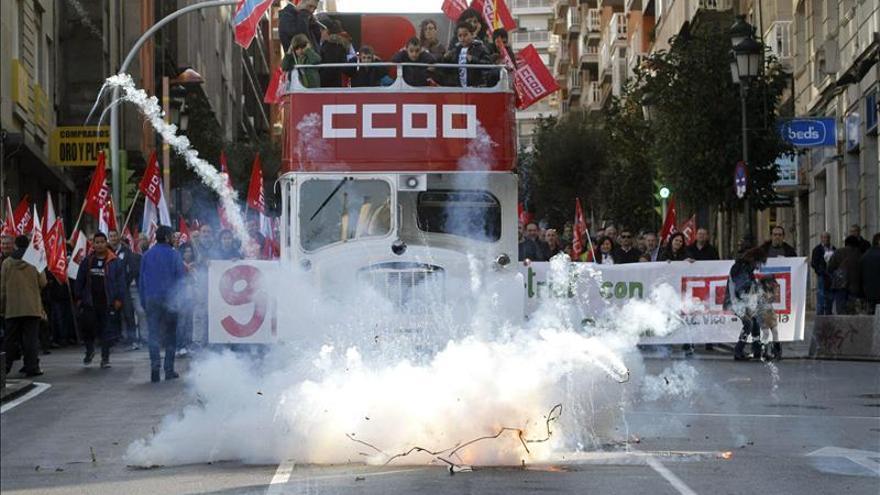 """Centenares de personas, contra la """"desindustrialización"""" de Vigo"""
