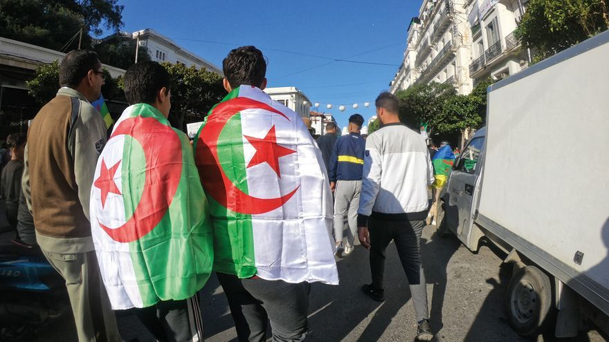 Manifestación contra Bouteflika en las calles de Argel.