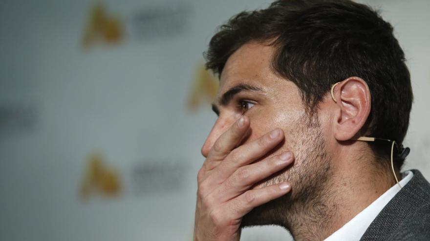 El futbolista Iker Casillas, en la presentación de una campaña del bufete Arriaga-Asociados en octubre de 2015. EFE