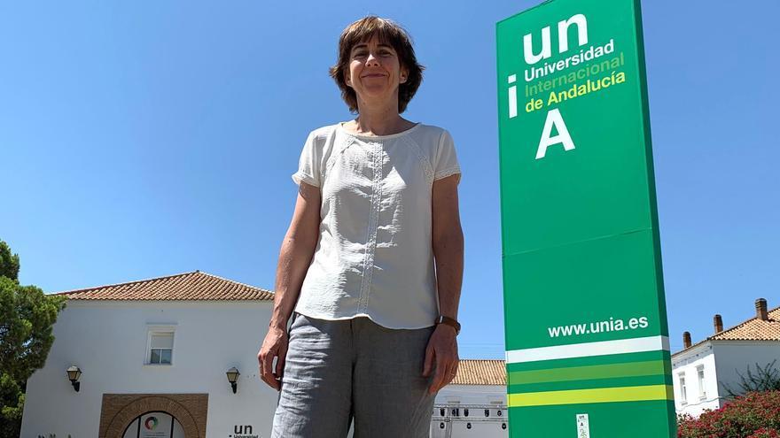 Nuria Martín Chivelet, durante la charla con eldiario.es/andalucia en la sede onubense de la UNIA.