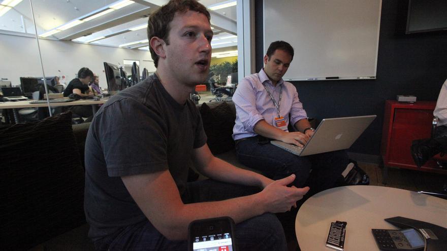 Facebook se ha convertido en una plataforma de vídeos que, ahora, quiere crear su propio contenido