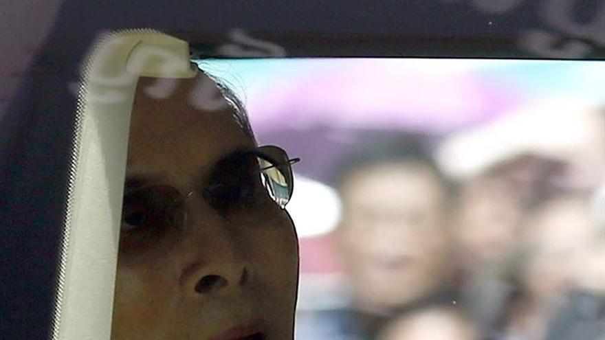 Tailandia libera a dos activistas antimonárquicas bajo un perdón real