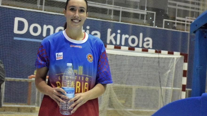 Laura Herrera, con la camiseta del Bembibre