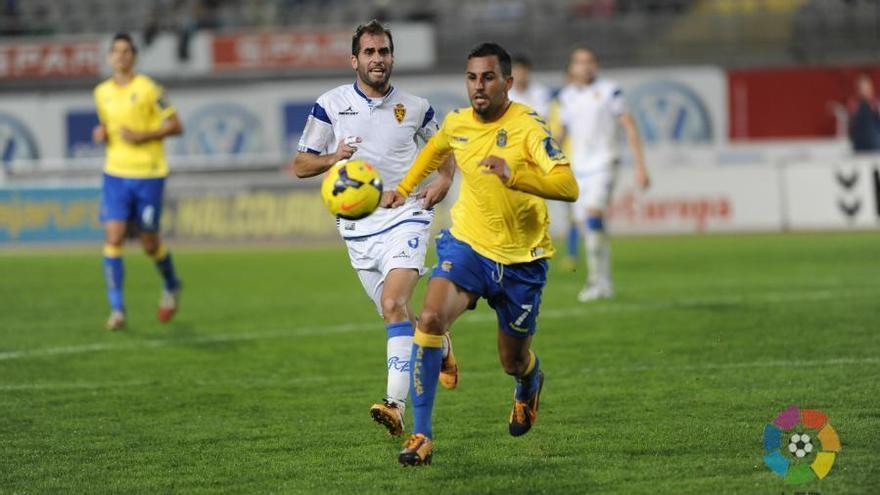 Nauzet Alemán, en el partido de ida entre la Unión Deportiva Las Palmas y el Zaragoza. LFP