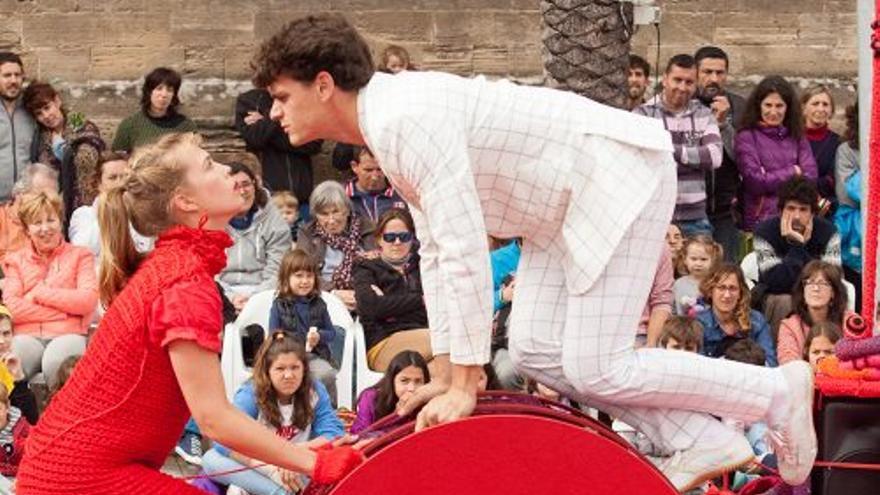 El festival IX salDecalle trae a San Pedro del Pinatar espectáculos cargados de premios