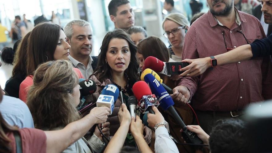 """Arrimadas pide al Gobierno tomar medidas contra el """"tsunami totalitario"""""""