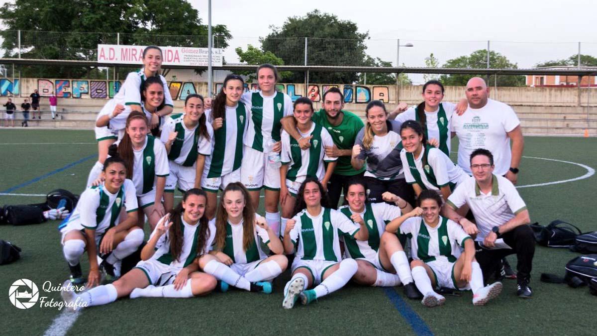Componentes del Córdoba Femenino B tras un partido