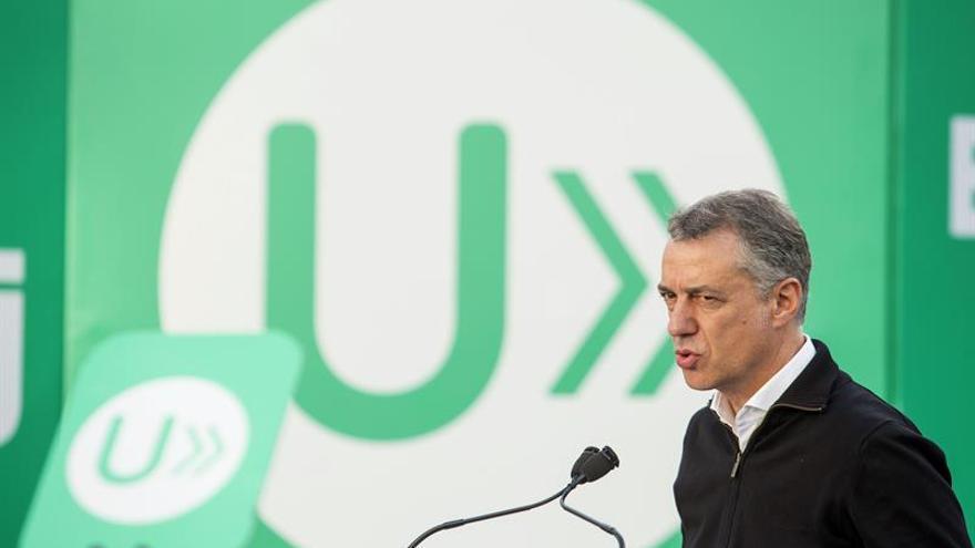 """Urkullu asegura que no tiene """"preferencias"""" a la hora de pactar con PP o PSOE"""