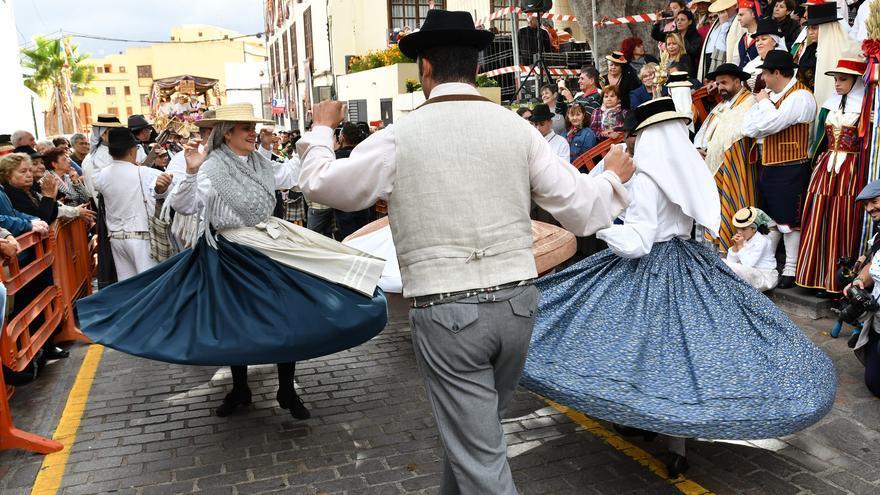 Bailes folclóricos en la romería de Arona, en una imagen de archivo