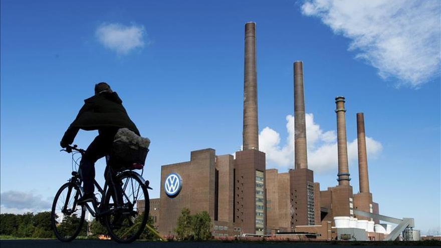 Volkswagen cae en bolsa un 8 % tras conocerse nuevas irregularidades