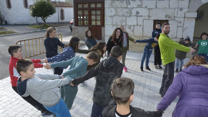 Los niños y niñas de ESO en una de las actividades.