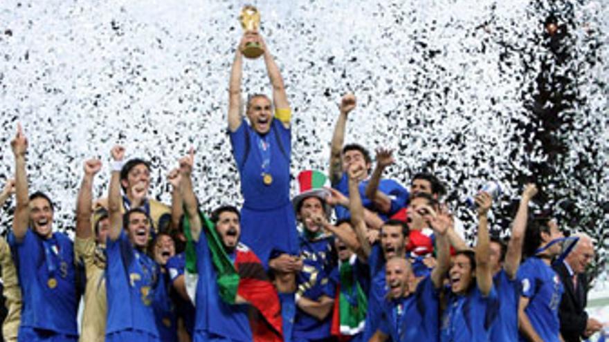 Italia defiende el título que ganó en 2006 en Alemania.