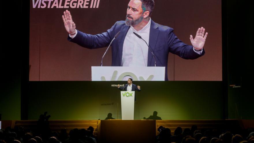 El presidente de Vox, Santiago Abascal, durante su intervención en el acto central de la Asamblea General Ordinaria del partido en el Palacio de Vistalegre (Madrid/España) a 8 de marzo de 2020.
