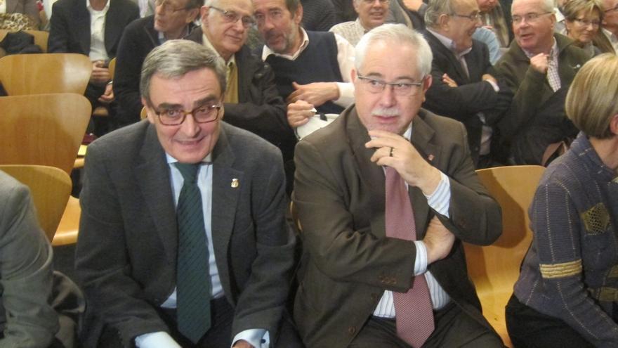 Críticos del PSC exigen a Navarro presentar una resolución propia sobre la consulta en el Parlament
