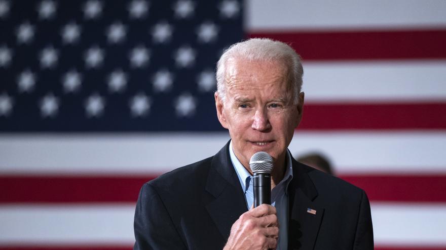 Biden aventaja por 12 puntos a Trump en la intención de voto, dice sondeo