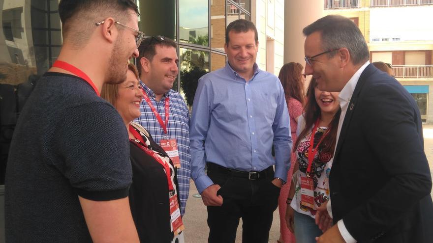 El nuevo secretario general de las JJSS murcianas, el ciezano Miguel Ortega, junto a Diego Conesa
