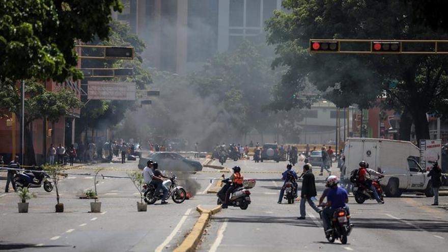 Caracas amanece en una nueva jornada de protestas callejeras