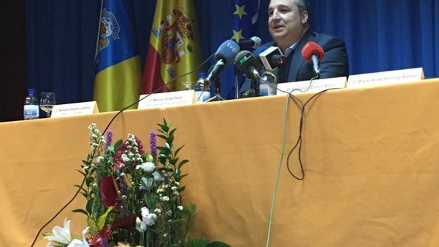El presidente de la UD Las Palmas, Miguel Ángel Ramírez, durante la charla impartida a los alumnos del centro integrado de formación profesional Cruz de Piedra. (Twitter oficial de la UD Las Palmas).
