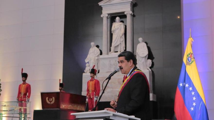 "Maduro suspende diálogo con oposición por ""apoyo"" de Guaidó a bloqueo de EEUU"
