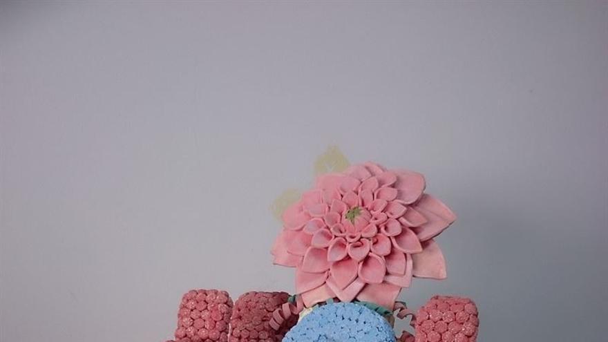 La carroza ganadora de la Batalla de las Flores recibirá como premio la obra 'Alegoría'