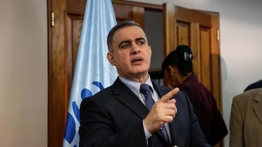 La justicia venezolana ordena una prueba del polígrafo para fiscal y ombudsman