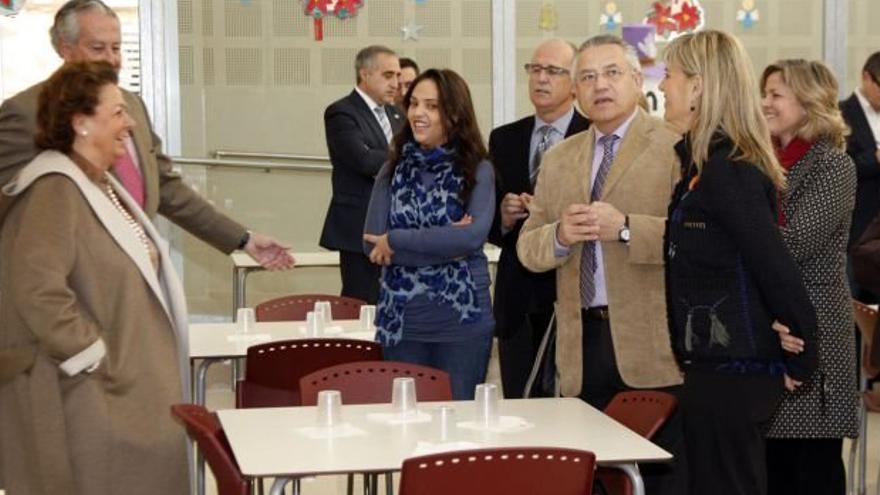 Valencia rectifica los ni os de familias con deudas - Becas comedor valencia ...