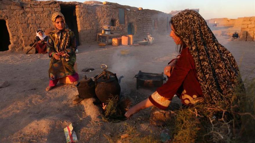 Asesinatos de mujeres en Afganistán subieron un 49 % en 2015, según la comisión